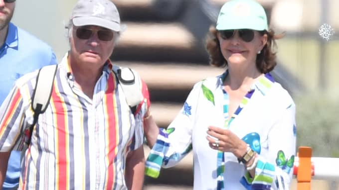 Kung Carl Gustaf berättar sitt knep för att inte bli svettig. På bild: Kungen och drottningen på semester i Saint-Tropez. Foto: TONY FITOUSSI / JBMPHOTOS / /IBL
