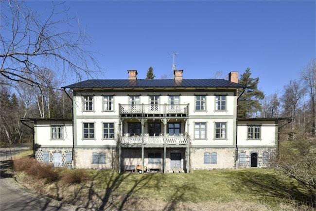 Just nu finns en unik chans att göra ett riktigt kap utöver det vanliga. Det är kända Norns herrgård som är till salu.