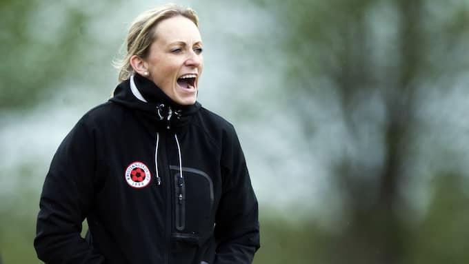 Elisabet Gunnarsdottir var chockad men glad efter lagets målshow. Foto: LENNART MÅNSSON / © BILDBYRÅN