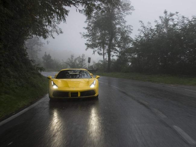 Ferrari 488 Spider.