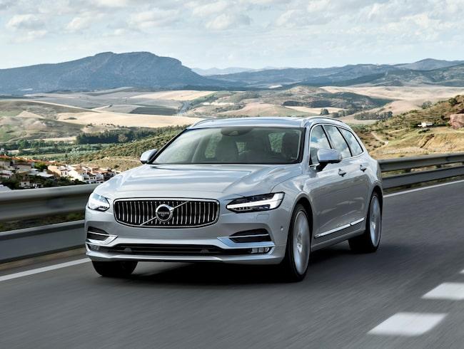 För en Volvo V90 med ett utsläpp på 154 gram koldioxid per kilometer blir skatten drygt 4200 kronor högre per år under de tre första åren efter köpet.