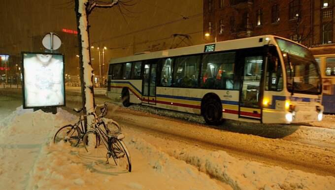 OBS! Bussen på bilden är inte den som benämns i artikeln. Foto: Åke Thim