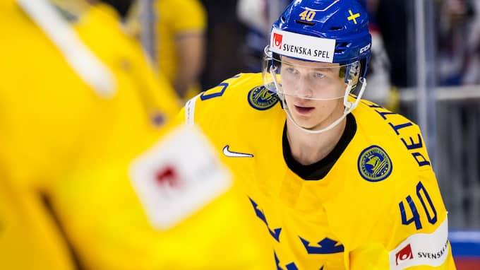 Elias Pettersson spelar just nu VM med Tre Kronor. Foto: PETTER ARVIDSON / BILDBYRÅN