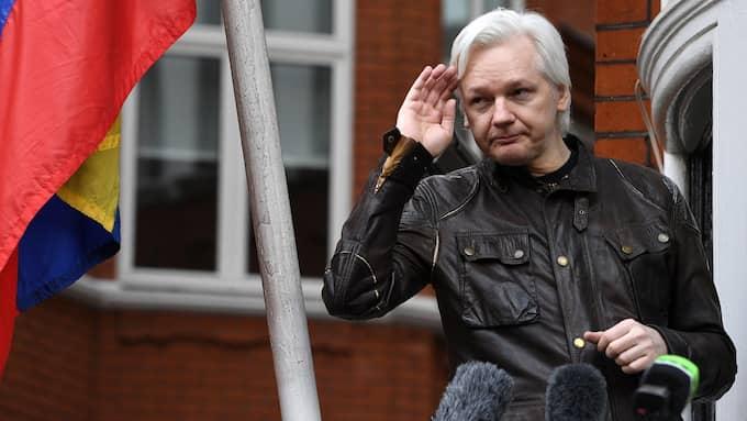Wikileaks-grundaren Julian Assange har levt isolerad på Ecuadors ambassad i London i sex års tid. Foto: FACUNDO ARRIZABALAGA / EPA / TT / EPA TT NYHETSBYRÅN