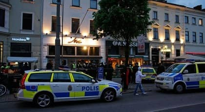 Det var fullt med folk på Nivå när mannen sköts, skottet tog i halstrakten och mannen dog direkt enligt ett vittne. Foto: Björn Andersson