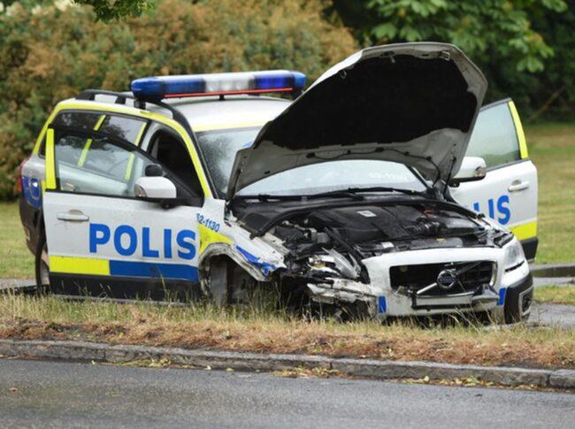 I fjol var kostnaden för skador på landets polisbilar nära 67 miljoner kronor.