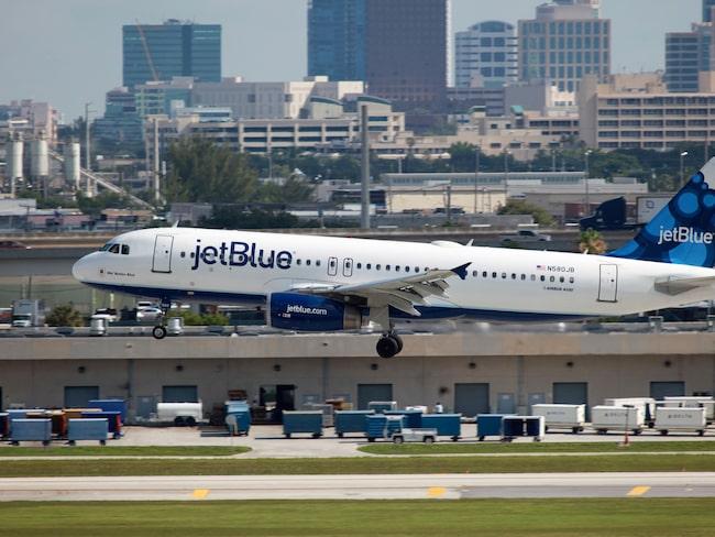 Passagerarna fick byta plan på Fort Lauderdale flygplats.