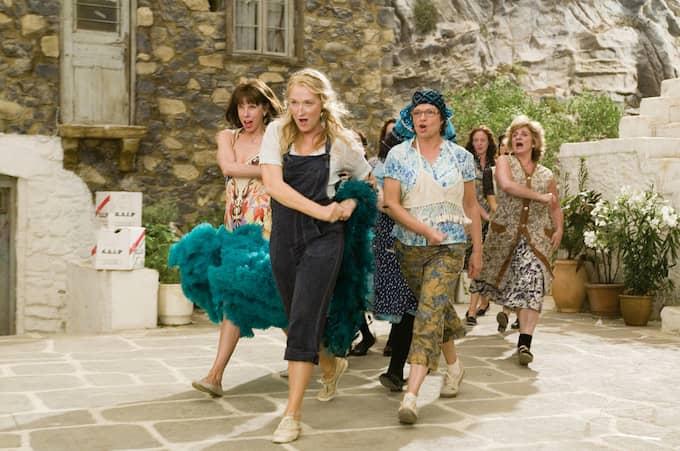 """Musik och romantik i """"Mamma Mia"""". Foto: UNIVERSAL PICTURES / STELLA PICTURES UNIVERSAL PICTURES"""