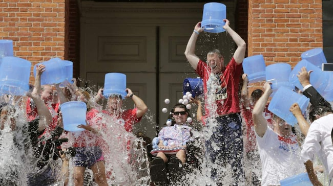 <span>&quot;Ice bucket challenge&quot;-kampanjen drog in över 100 miljoner dollar till ALS-forskningen. <br></span>