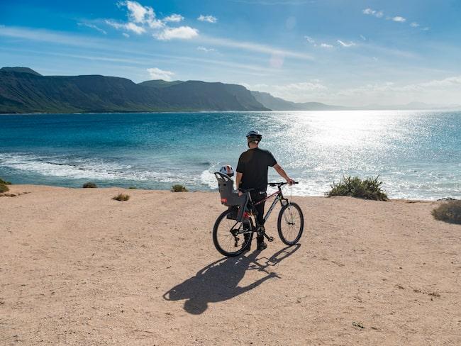 På La Graciosa finns cyklar och kajaker att hyra.