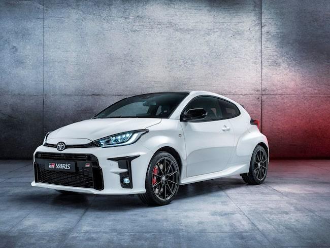 Nya Toyota GR Yaris, besläktad med tillverkarens rallymodeller.