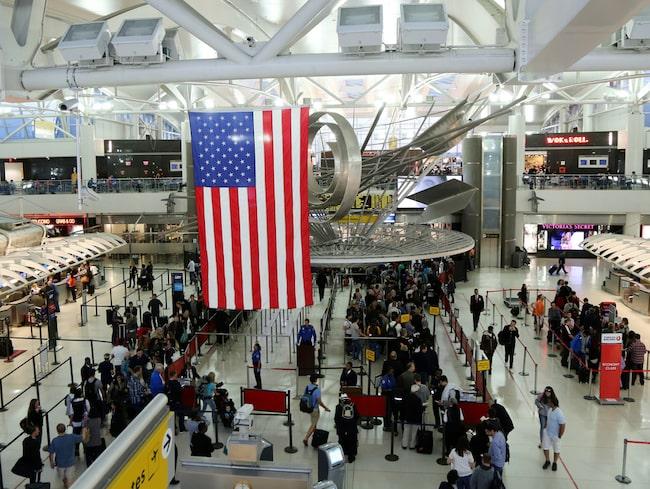 29-åriga Mandie skulle resa till New York, men råkade fylla i fel i sin visumansökan.