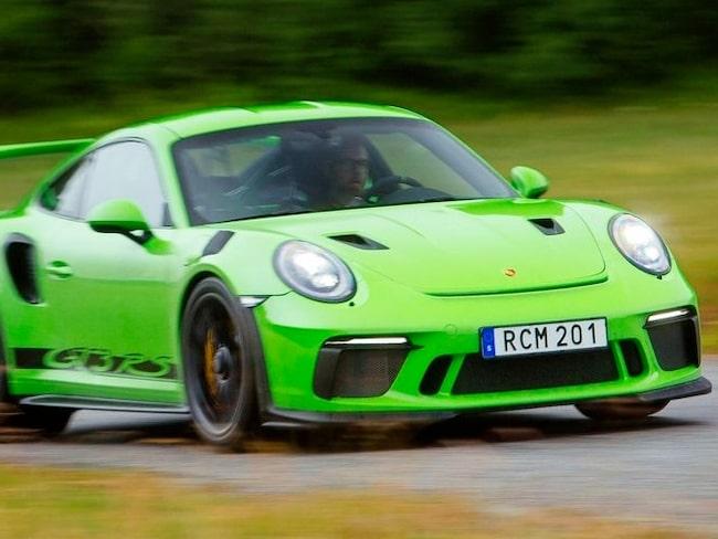 Porsche GT3 RS är vansinnigt rolig och vansinnigt obekväm.