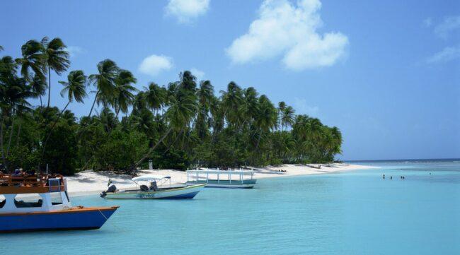 Pigeon Point på Tobago. Tobago är den mindre ön i republiken Trinidad och Tobago. Den är en fjärdedel så stor som Öland och har cirka 55 000 invånare.