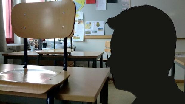 En elev i 20-årsåldern misstänks ha våldtagit en lärare