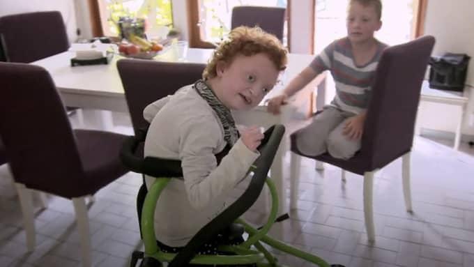 Felicia har multipla funktionshinder som påverkar hennes och familjens vardag. Foto: Kanal 5