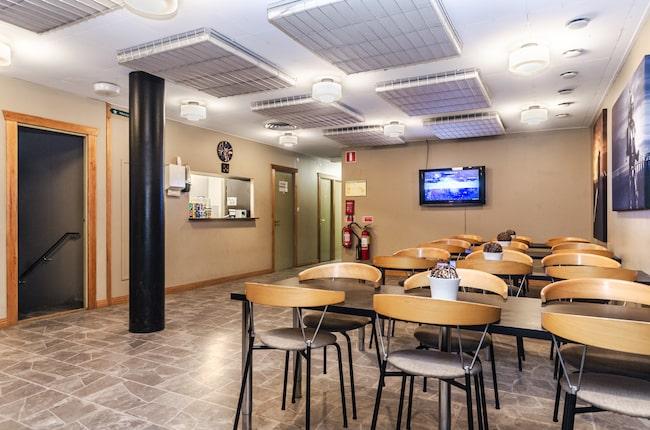 Anläggningen har två våningar som båda är på cirka 400 kvadratmeter.