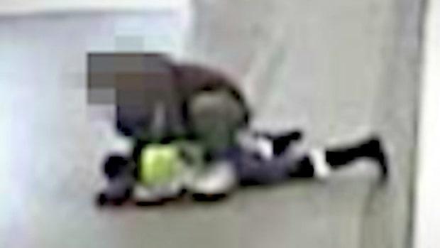 Nina, 35, misshandlades på tunnelbanestationen