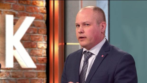 Ministern fördömer Peter Springare