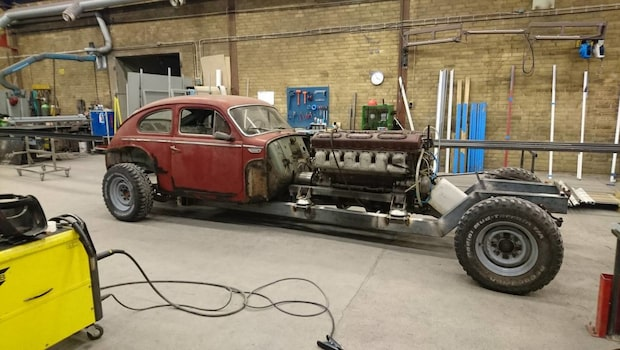 Galna projektet – en Volvo PV544 med stridsvagnsmotor