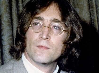 I dag skulle John Lennon ha fyllt 70 år. Här en något yngre Lennon under en presskonferens i New York 1968. Foto: John Lindsay