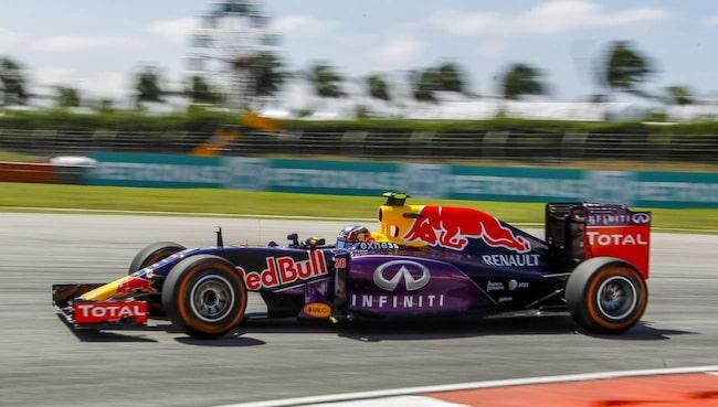 Red Bull kan sluta hoppas på en vinnarmotor i formel 1 i år. Det är beskedet från Renault, som erkänner att deras motor är ett misslyckande, rapporterar Autosport.