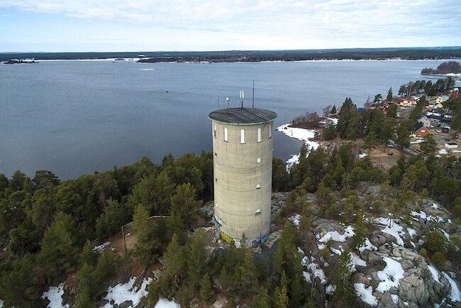 Vattentornet till salu har en magisk utsikt.