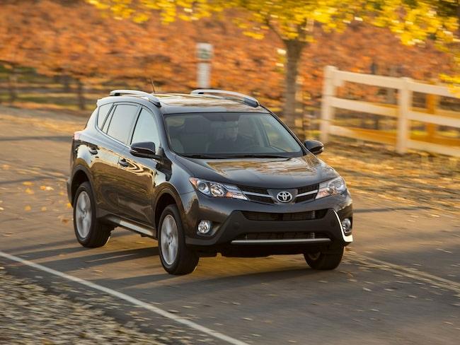 Toyota Rav-4 toppar Folksams lista över de säkraste bilarna.