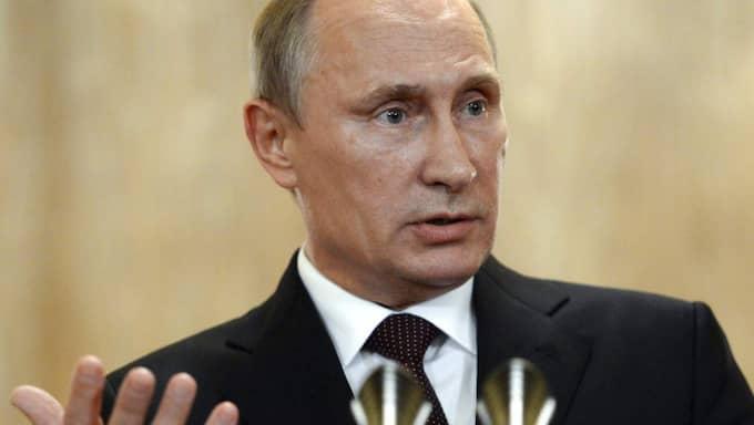 Влади́мир Влади́мирович Пу́тин.