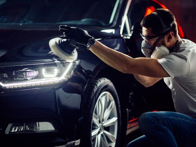 Det är extra viktigt att firman är seriös när det handlar om större ingrepp - som att lacka om bilen.