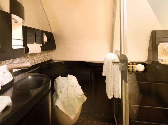 "Badrummet i ""The Residence"" på Etihad Airways."