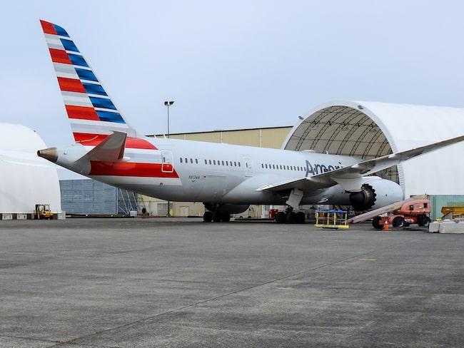 I USA ställer American Airlines in 90 flyg om dagen.