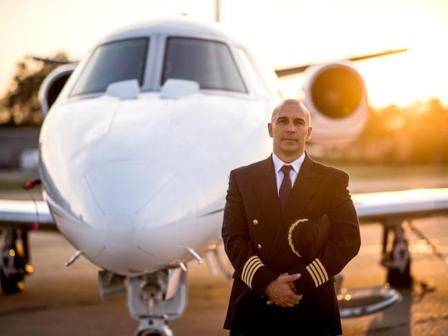 En pilot tipsar om att alltid räkna antalet stolsrader till närmsta nödutgång.