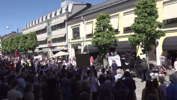 Polisstyrka bevakade böneutrop i Växjö