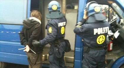 Hundratals greps vid en demonstration i Köpenhamn på söndagseftermiddagen. Foto: Tomas Leprince