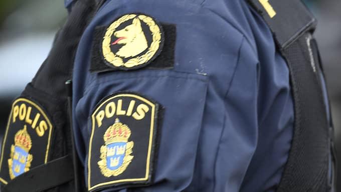 Mannen är enligt uppgifter en av flera som ingår i den krets av unga män som polisen visar särskilt intresse för. Foto: MAJA SUSLIN/TT / TT NYHETSBYRÅN