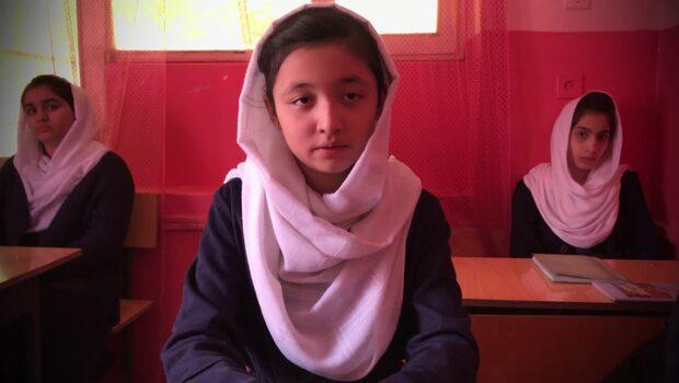 """Muskan, 13 """"Tror inte talibanerna skulle låta flickor utbilda sig"""""""