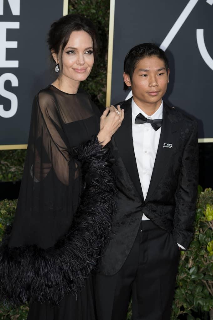 Angelina Jolie tog med sig 14-åriga sonen, Pax Jolie-Pitt, till Golden Globe 2018 Foto: KEVIN SULLIVAN / ZUMAPRESS.COM/IBL ZUMA PRESS