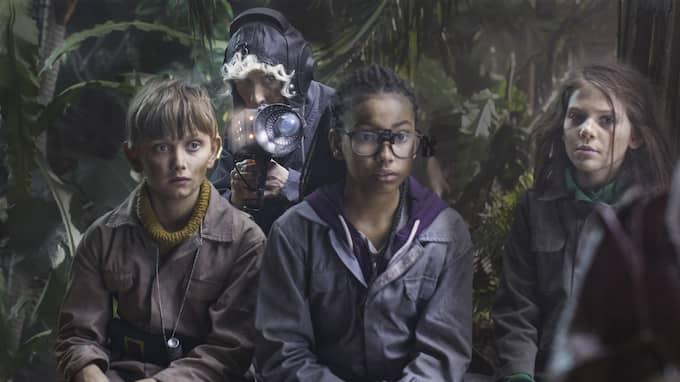 Max (Vincent Wettergren), Lima (Naima Palmaer) och Asrin (Monna Orraryd). Foto: SVT