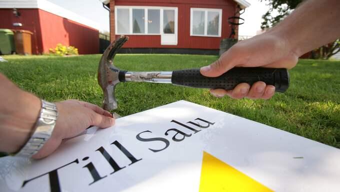 Enligt Svensk fastighetsförmedling stiger fortfarande villapriserna på grund av ett förhållandevis lågt utbud. Foto: Fredrik Sandberg/TT NYHETSBYRÅN
