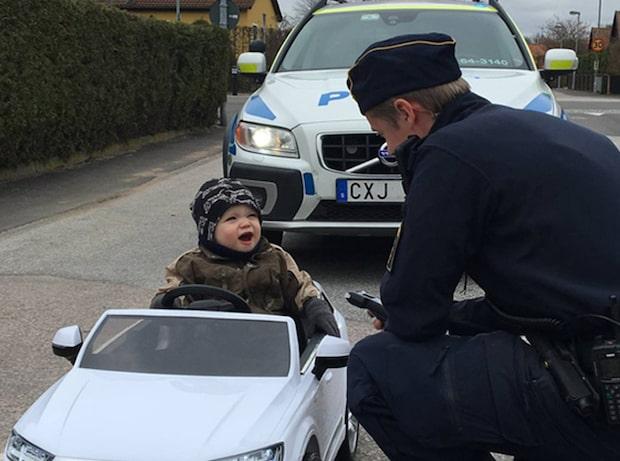 "Lexus, 1, ""åker fast"" i polisernas fartkontroll"