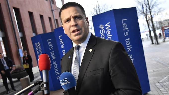 Estlands premiärminister Jüri Ratas blev kvar på plattformen då flyget lyfte från Landvetter flygplats efter EU-toppmötet i Göteborg. Foto: JONAS EKSTRÖMER/TT / TT NYHETSBYRÅN