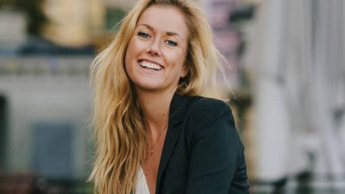 Blivande systemvetaren Carolin Solskär, 24, från Öckerö är en av tre unga kvinnor som kan utses till årets IT-tjej. Hon vill locka fler kvinnor till den mansdominerade branschen. – Man måste ta bort stämpeln att IT är en killgrej, säger hon. Foto: Privat