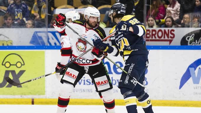 Noah Welch gjorde Malmö Redhawks fjärde mål och var inblandad i en del heta dueller i matchen mot HV 71. Foto: STEFAN PERSSON/BILDBYRÅN