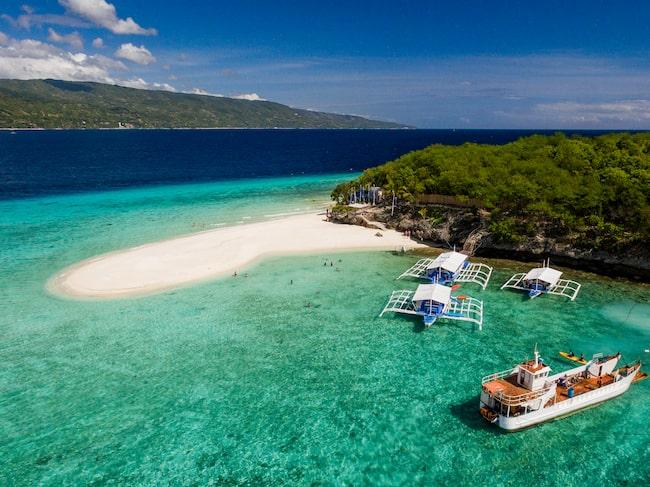 Bland arbetsuppgifterna ingår resor till privata öar.
