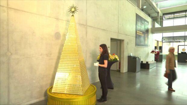 En julgran i guld - värd 25 miljoner