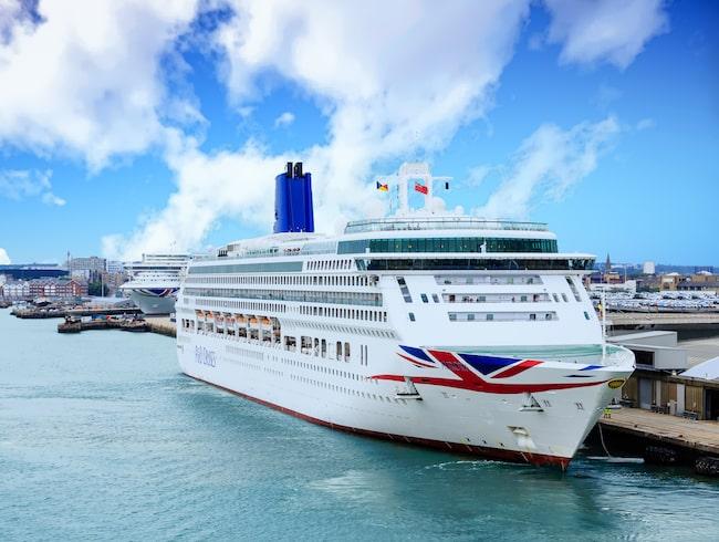 Händelsen inträffade på P&O Cruises kryssningsfartyg Britannia, som var på väg från Bergen i Norge till Southampton i England efter en veckolång kryssning.