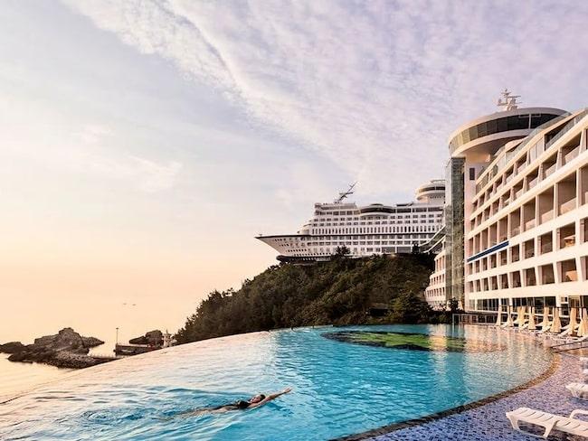 På Sun Cruise Resort och Yacht i Sydkorea slipper båtvänner åksjuka.