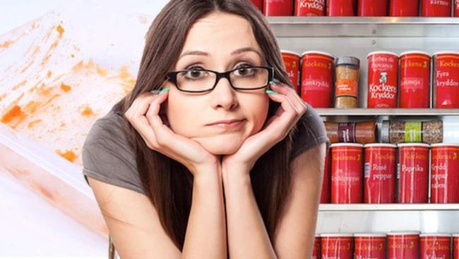 <span>Gamla matlådor och kryddor som passerat bäst före-datum är det läge att slänga.</span>