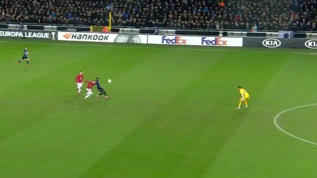 Höjdpunkter: Målvaktstavla av Romero när United kryssade